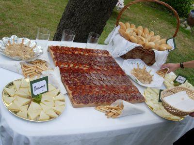 Eventos la casona bautizo mesa de queso y embutidos for Tapas frias para fiestas